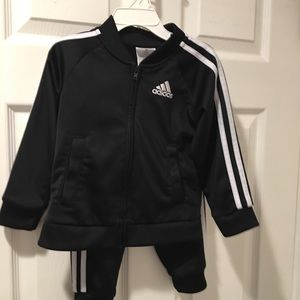 Adidas black/white jacket & pants 2pc set size 2t